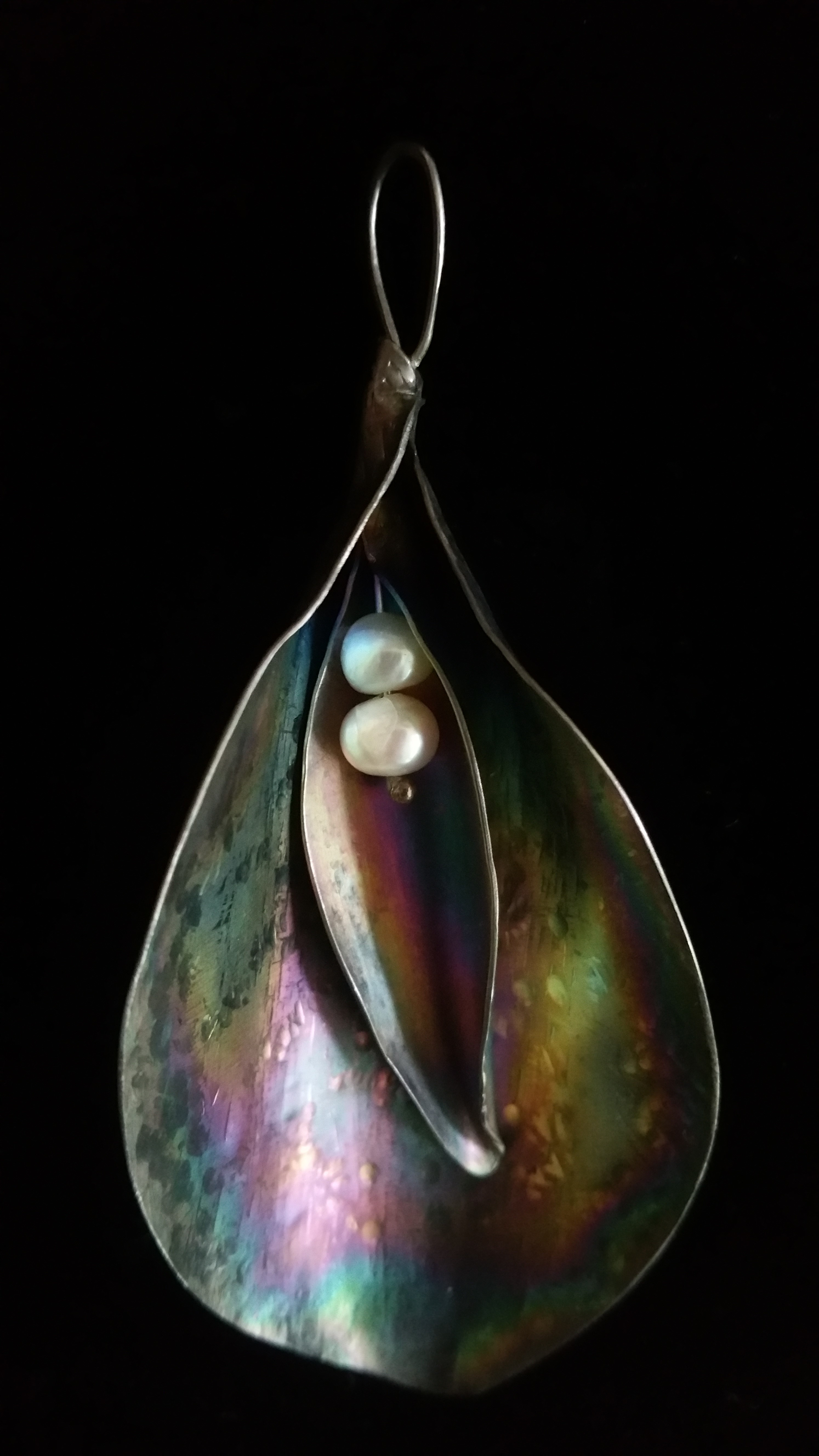 titanium lily with freshwater pearl 2